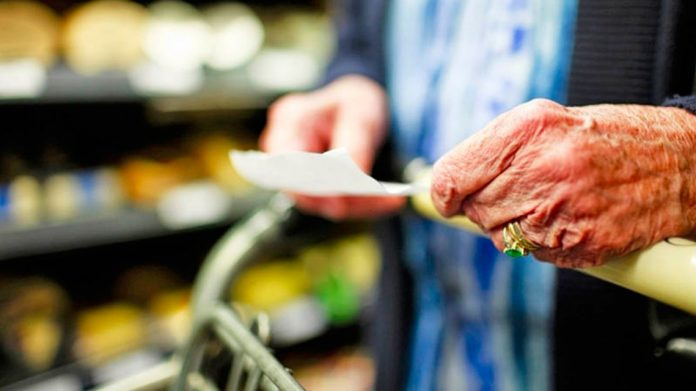 No dan los números: un jubilado rosarino necesita más de 26 mil pesos para pagar la canasta básica