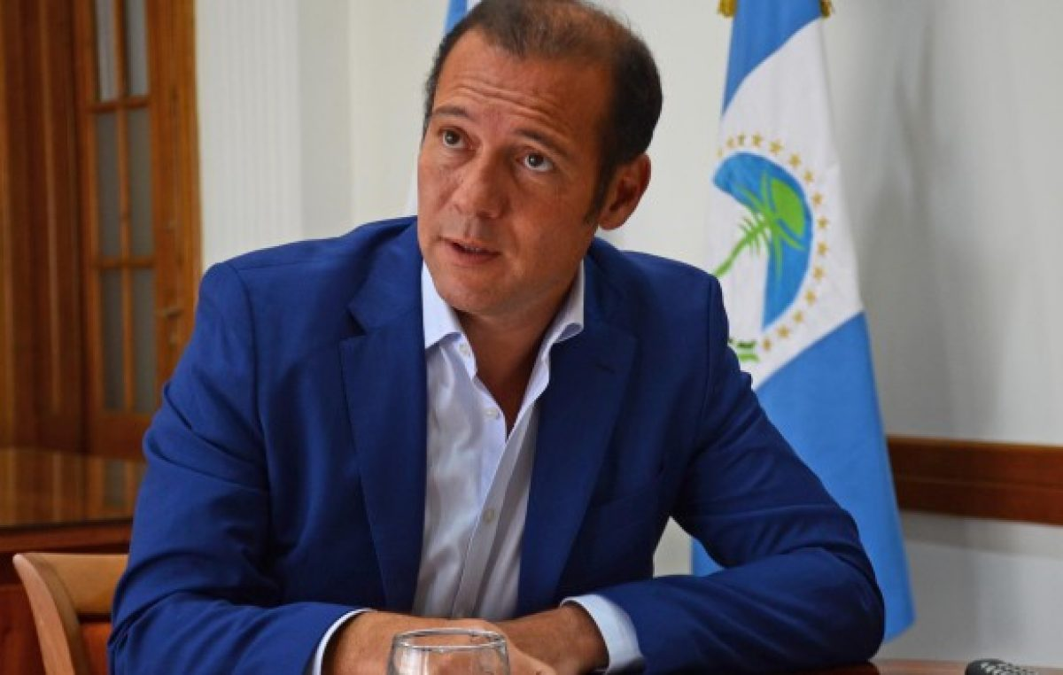 Cuestionan transparencia de los viajes al exterior del gobernador de Neuquén