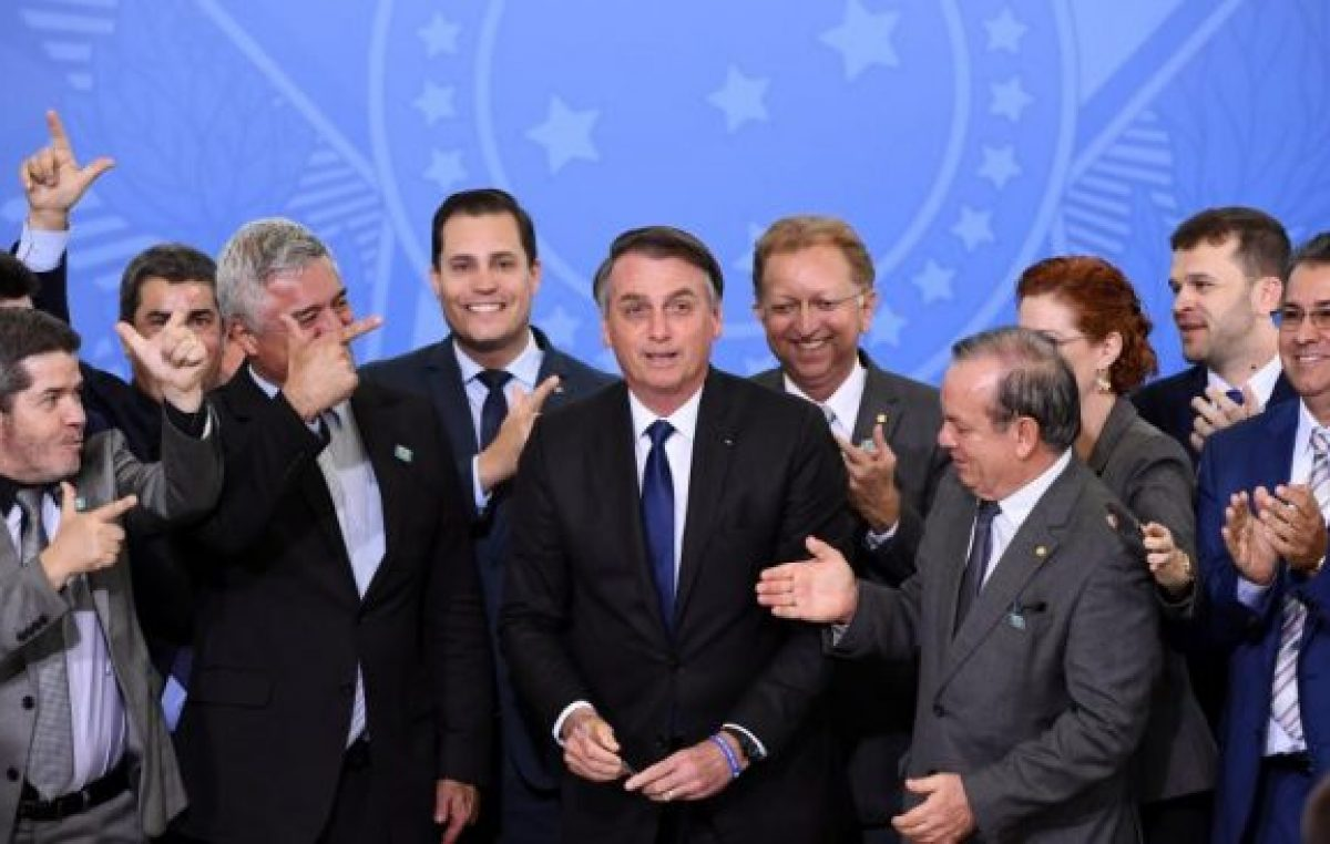 Brasil: armas para políticos, periodistas y camioneros