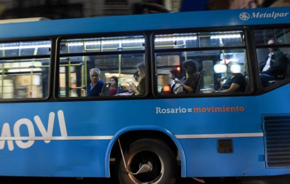 La intendenta de Rosario le reclamó a la Nación que congele el precio del gasoil para los colectivos