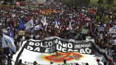 Paro docente y miles de estudiantes en las calles contra Bolsonaro