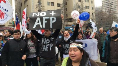 El 53% de los chilenos rechaza la reforma previsional de Piñera