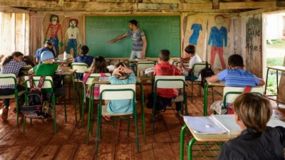 La cruzada ideológica de Bolsonaro golpea a la educación