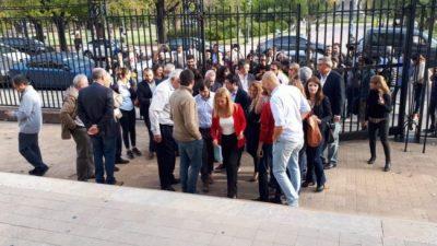 Intendentes peronistas dejaron una nota de reclamos a Vidal y le pidieron audiencia