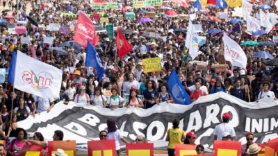 """Brasil: La protesta de los """"idiotas útiles"""""""