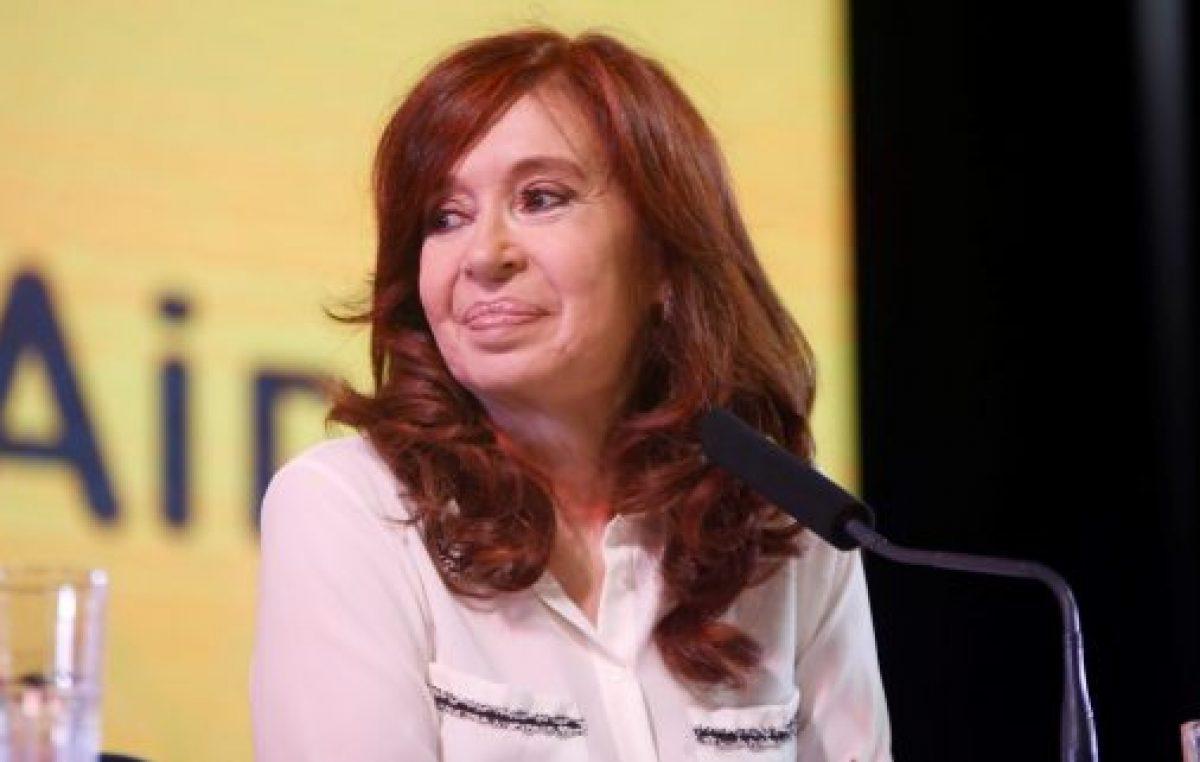 """""""ES NECESARIO UN CONTRATOSOCIAL DE TODOS LOSARGENTINOS Y ARGENTINAS"""""""