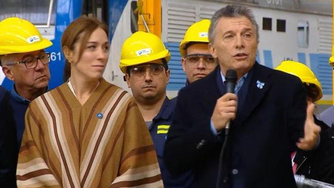 """Mauricio Macri comparó la entrega de notebooks de Conectar Igualdad con """"repartir asado"""""""