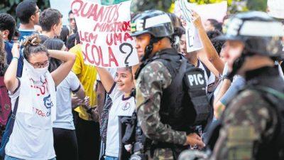 Contra los recortes de Bolsonaro en Educación