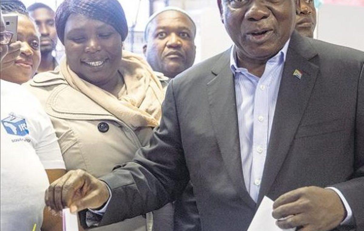 Sudáfrica votó con Ramaphosa como favorito