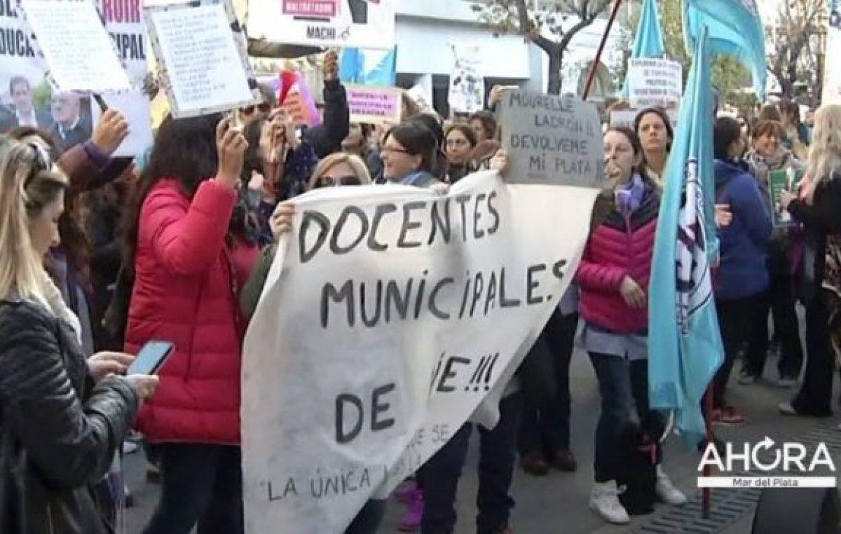 El intendente de Mar del Plata no da marcha atrás y se agudiza la crisis con los docentes municipales