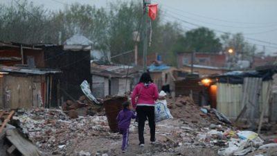 Casi la mitad de la población del conurbano bonaerense no llega a fin de mes