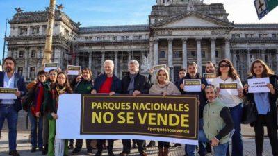 Los trabajadores de Parques Nacionales reclamaron contra la venta de un predio