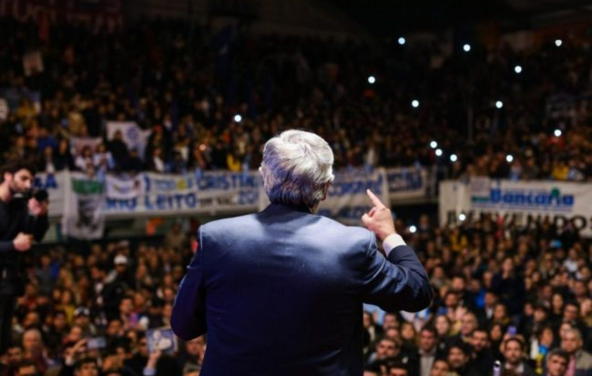 Alberto Fernández criticó las políticas neoliberales de Macri