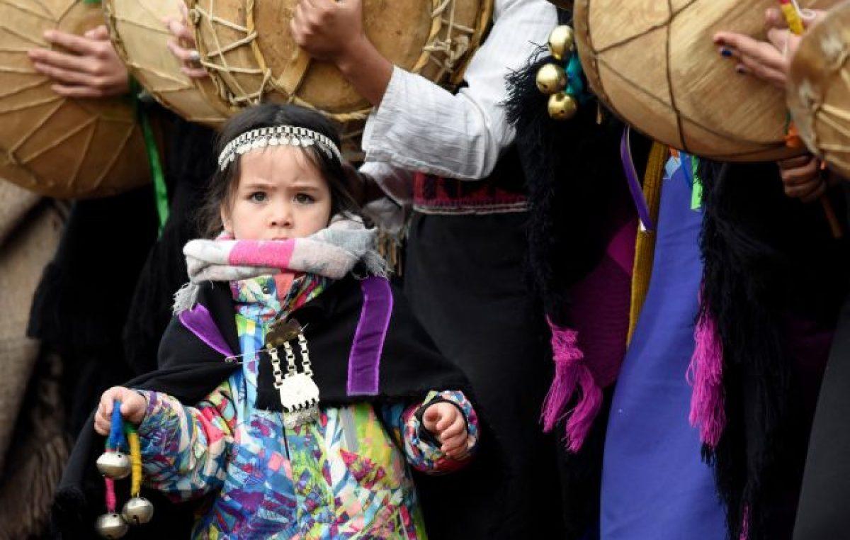 Una multitud se acercó a la meseta a celebrar el año nuevo mapuche