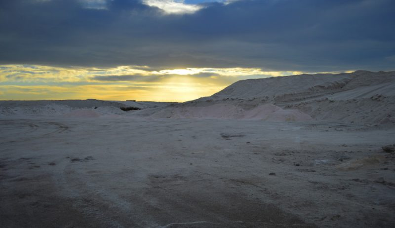 Caminar en la luna en la Salina del Gualicho