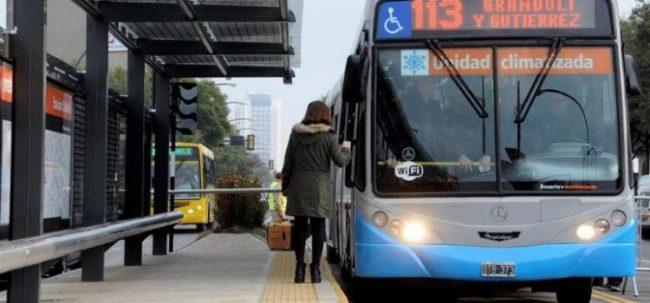 """Rosario: Fein dijo que """"el sistema de transporte está en crisis"""" pero que por ahora no habrá aumento del boleto"""
