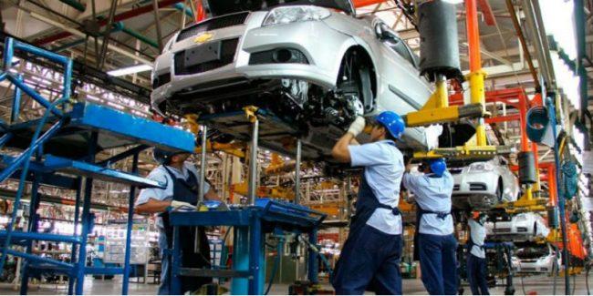 Alvear: La planta de General Motors para por un mes y suspende a 1.550 trabajadores