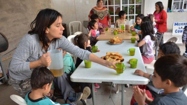 Por la crisis, crecen en un 50% los merenderos en Roca