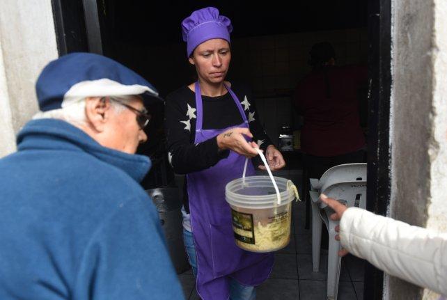 """El ministro de Desarrollo Social de Santa Fe dijo que """"cada vez más gente demanda la ayuda del Estado"""""""