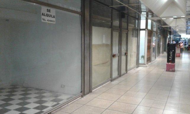 """Rosario: Advierten que """"el cierre de locales comerciales creció un 15 por ciento en el último año"""""""
