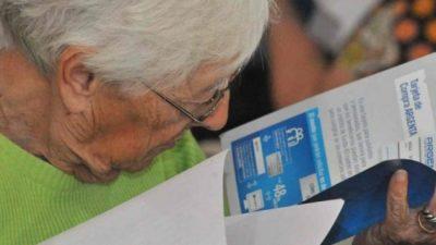 Son casi 700 mil las mujeres que no pueden jubilarse con la moratoria del Gobierno