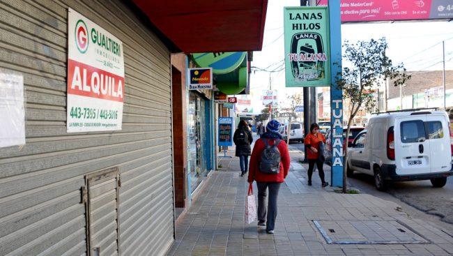 Vaca Muerta no ayuda al minorista: cada vez hay mas comercios cerrados