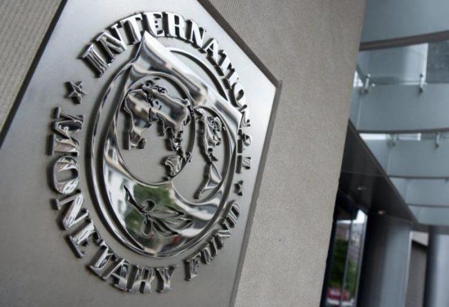 El FMI empeoró sus pronósticos: más inflación, menos crecimiento y otra devaluación