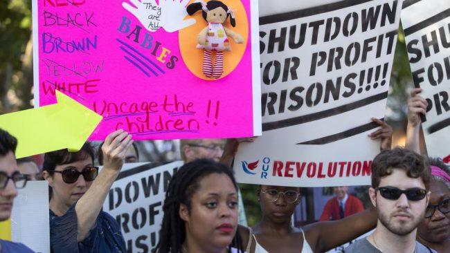 Caliburn, la empresa que lucra con la detención de niños migrantes
