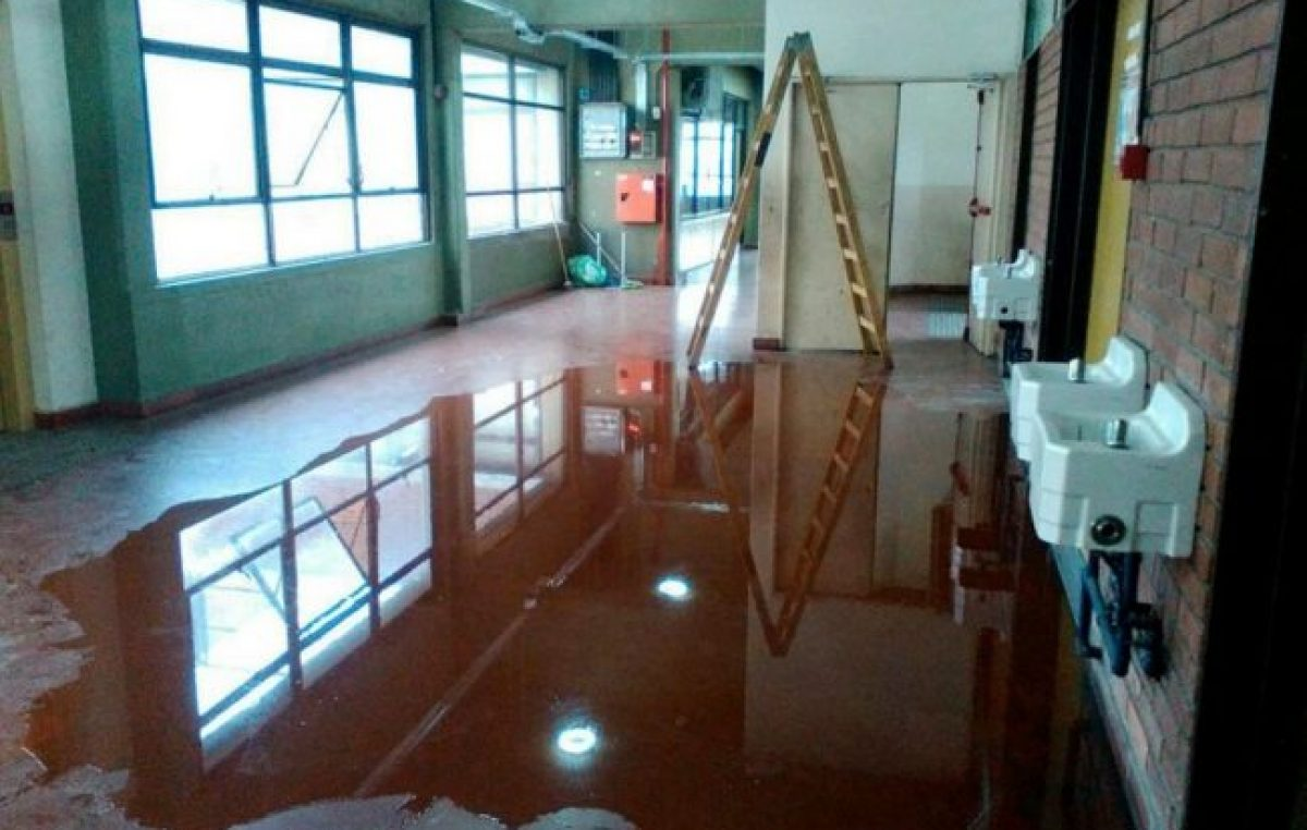 En 26 escuelas porteñas se suspendieron clases por falta de mantenimiento