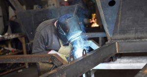 La mitad del sector metalúrgico está parada