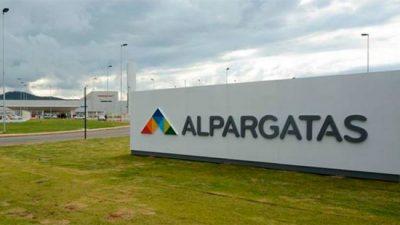 La brasileña Alpargatas abandona el negocio textil en la Argentina