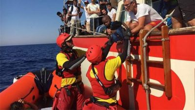 El drama de los migrantes: cómo es un día de rescate en el Mediterráneo