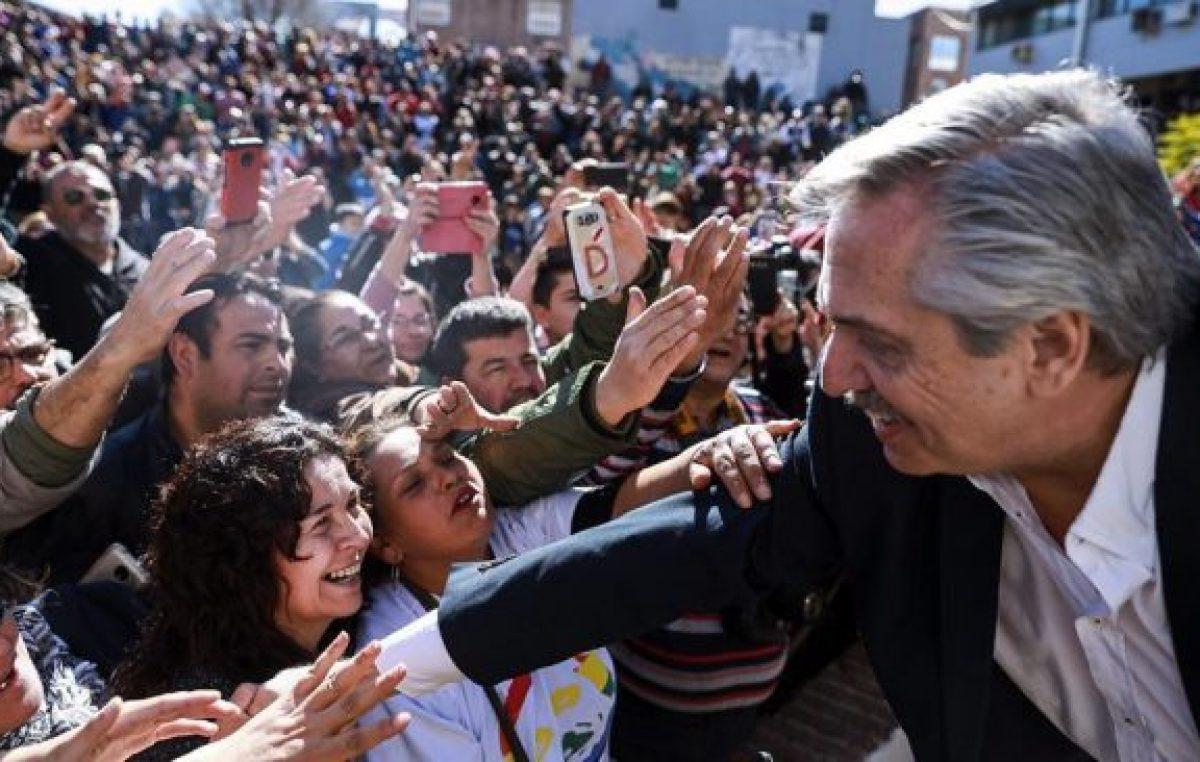 A Macri no le alcanza un carajo