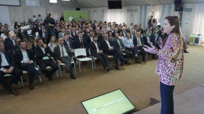 Vidal reclama y busca diferenciarse de Macri