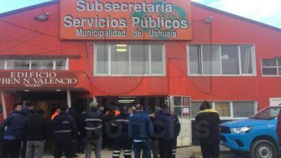 Trabajadores municipales de Ushuaia continúan con asambleas para pedir una recomposición salarial