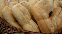 Rosario: Los molinos harineros no le venderán harina a las panaderías por la suba del dólar