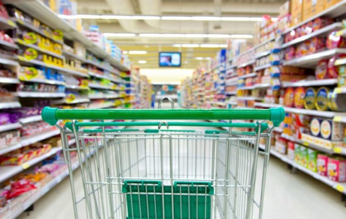 La canasta de alimentos subió un 61.69% en un año