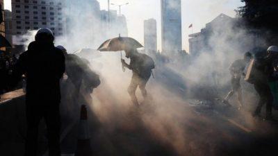 Choques, manifestaciones y huelga general en Hong Kong