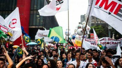 Protestan en todo Brasil contra los recortes de Bolsonaro a la educación