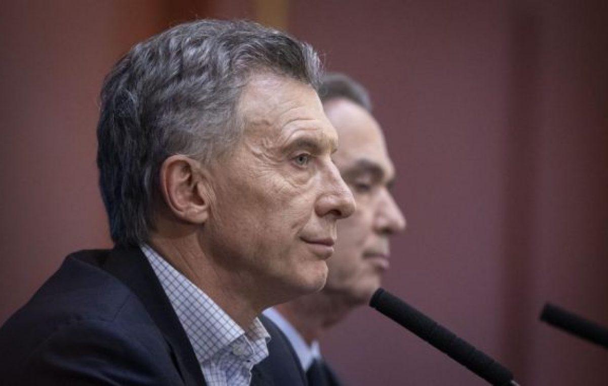 Miles de intelectuales le reclaman a Macri que «respete la democracia»