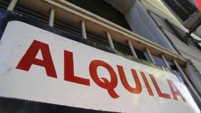 Alquilar en Rosario se lleva la mitad del ingreso
