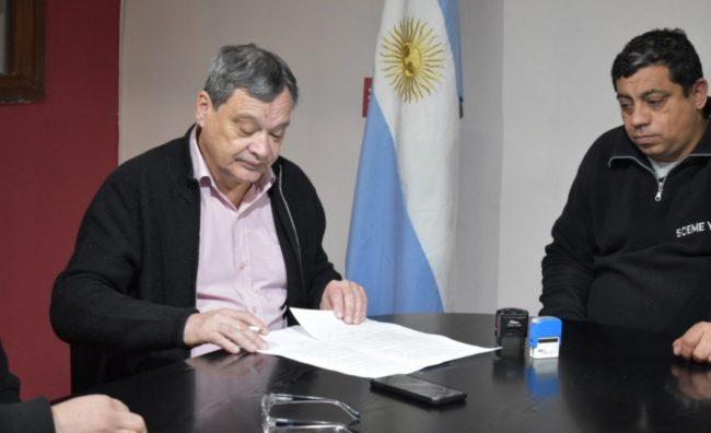 Lago Puelo: acuerdan aumento salarial para empleados municipales