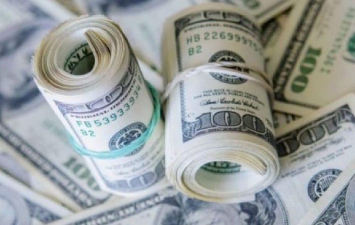 La corrida interminable: se fugaron 10 mil millones de dólares en apenas un mes