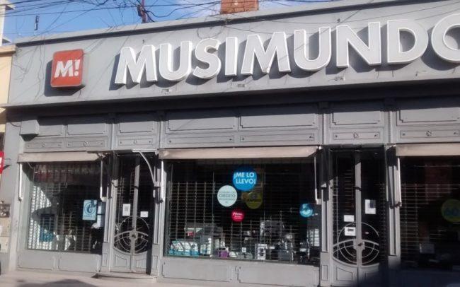 Musimundo en crisis: cerró locales en 16 ciudades de Buenos Aires y ya son decenas los despedidos