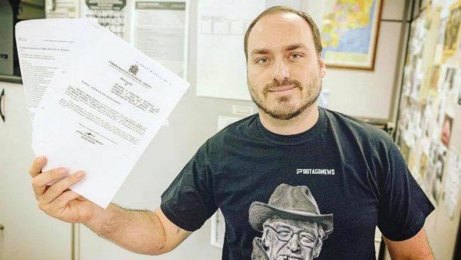 Uno de los hijos de Bolsonaro cuestionó la utilidad de la democracia