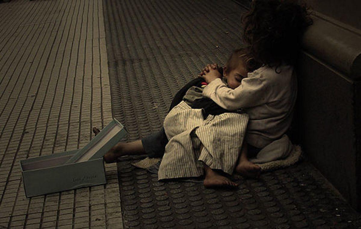 El drama detrás del relato de Vidal: uno de cada 10 niños es indigente