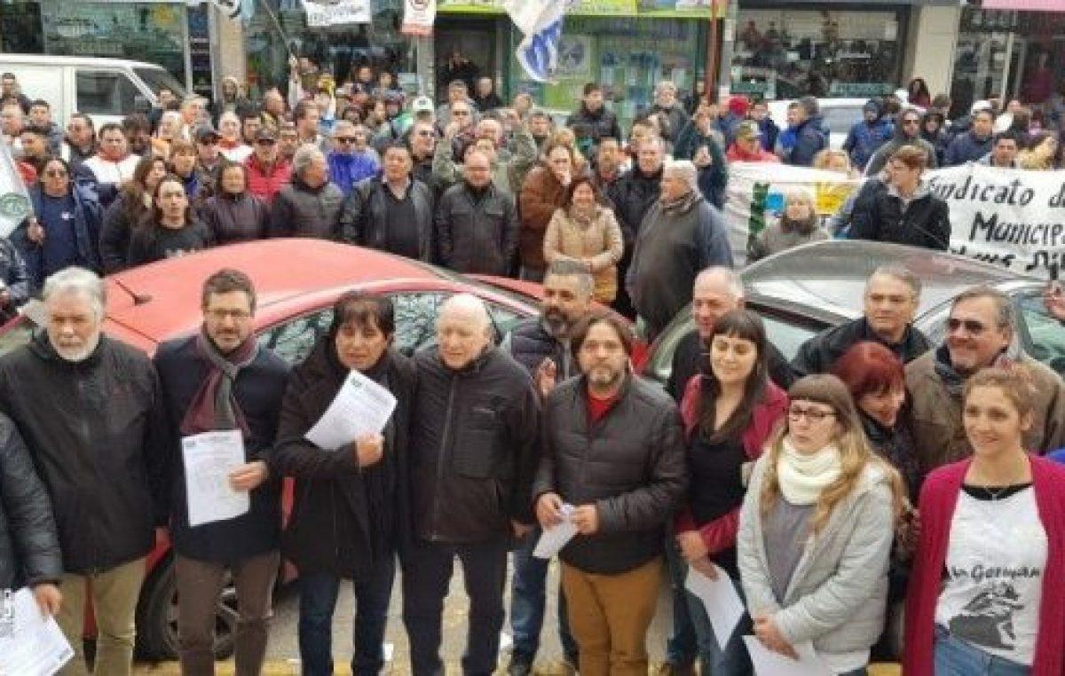 Morón: Trabajadores Municipales contra los despidos
