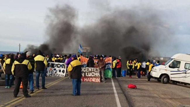 Décima semana de paro y pedidos de destitución en Chubut