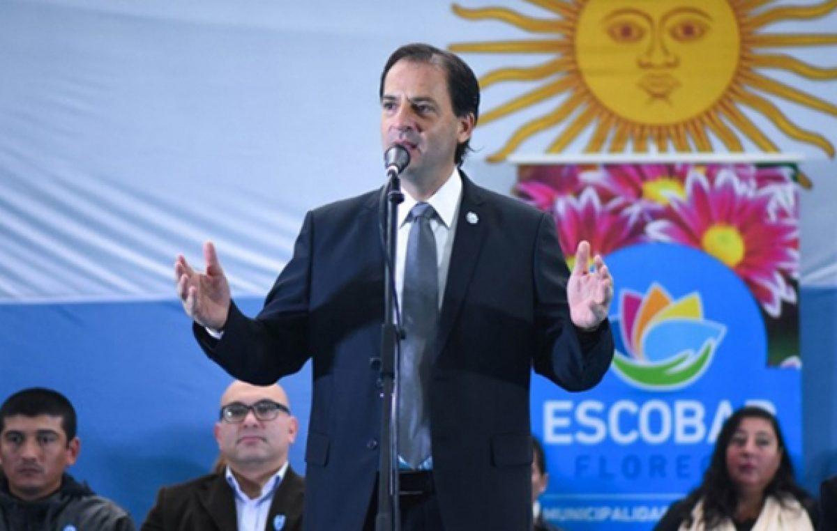 El Intendente de Escobar anunció un bono de $10.000 para los trabajadores municipales