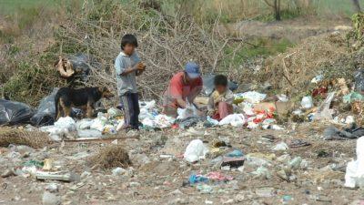 Indigencia en Santa Fe: «Es imposible vivir con siete mil pesos por mes»